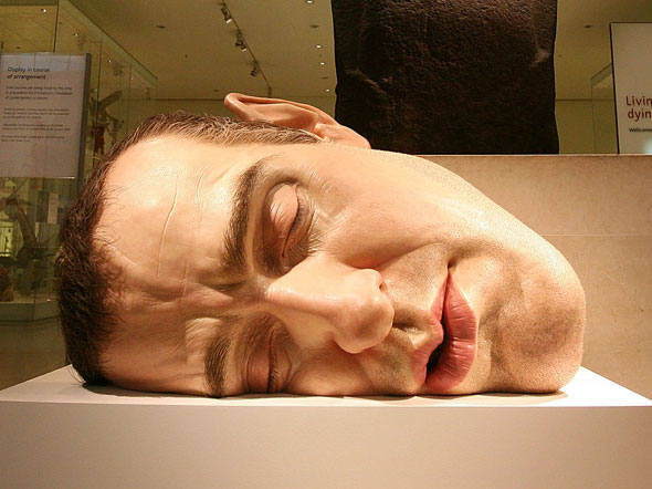 Escultura Mask II, de Ron Mueck